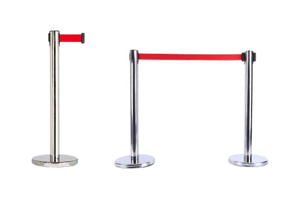 Cột chắn inox trắng dây đỏ dài 1.8m